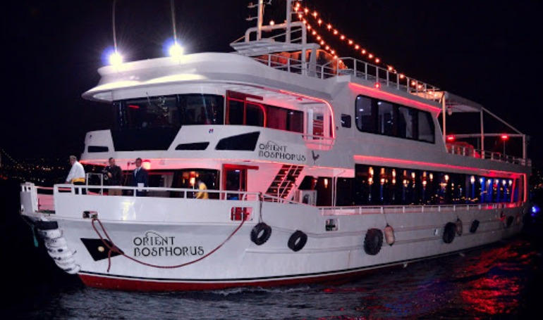 Ala Carte Best TABLE DINNER CRUISE ( ALCOHOL & NON ALCOHOL )